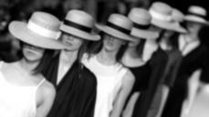 Paris Fashion Week Bize Ne Öğretebilir?