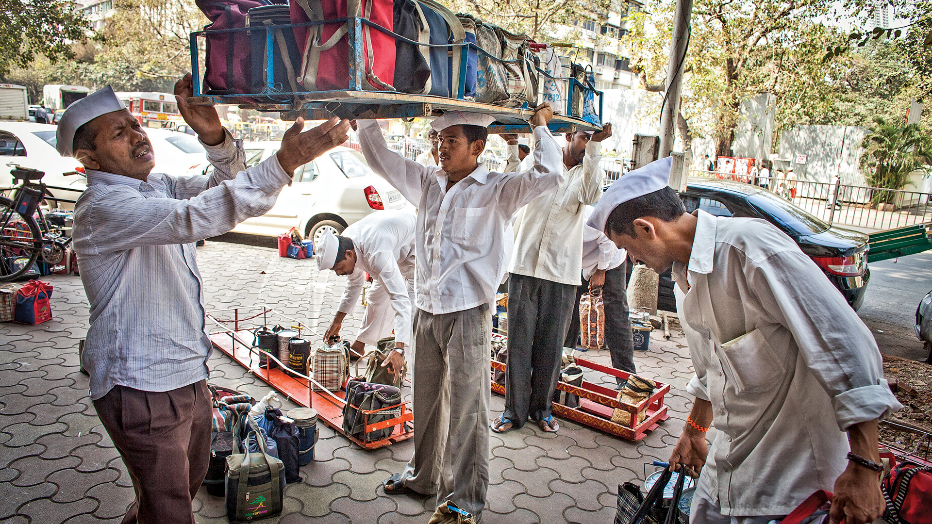 book review of dabbawalas
